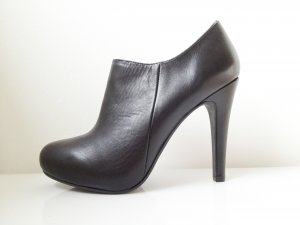Bata Pumps black leather