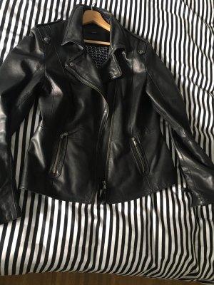 Schwarze edle Lederjacke im Bikerstil aus weichem Echtleder