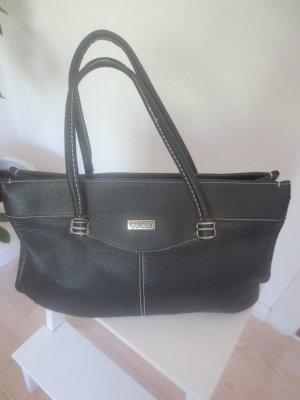 schwarze edle Tasche, ideal über die Schulter zu tragen