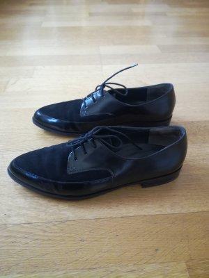 Schwarze,elegante Schnürschuhe;