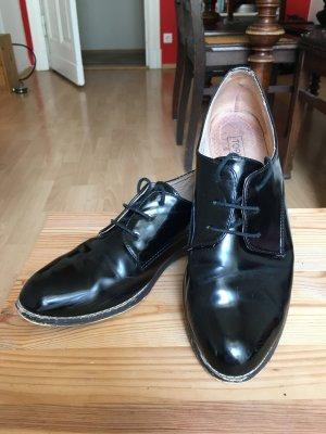 Schwarze elegante Schuhe in Lack-Optik von Topshop