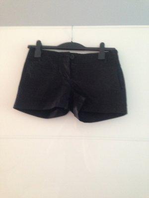 schwarze elegante Short