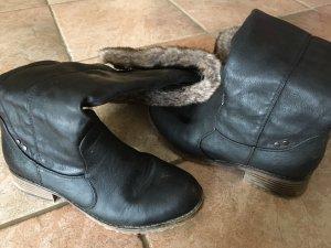 Schwarze gebrauchte winterstiefel mit Fell in 38