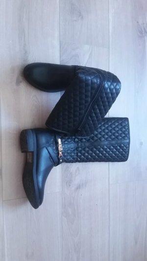 Schwarze gefütterte Stiefel Gr. 35