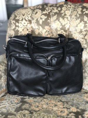 Schwarze große Tasche
