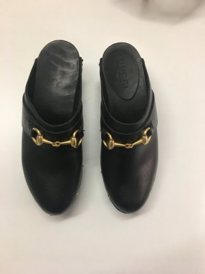 Schwarze Gucci Clogs