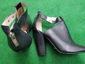 Schwarze Guess Sandalen