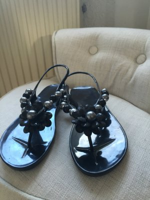 Schwarze Gummi-Sandalen in Größe 37 zu verkaufen