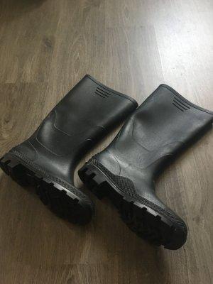 Schwarze Gummistiefel