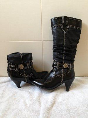schwarze gut erhaltene Stiefel