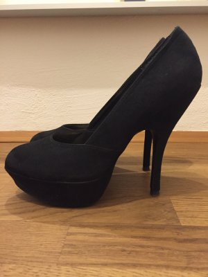 Schwarze H&M Pumps in Wildleder-Optik