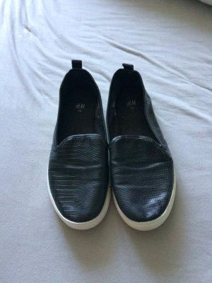 Schwarze H&M Sneaker