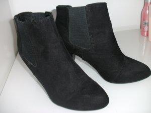Schwarze H&M Stiefel mit Absatz
