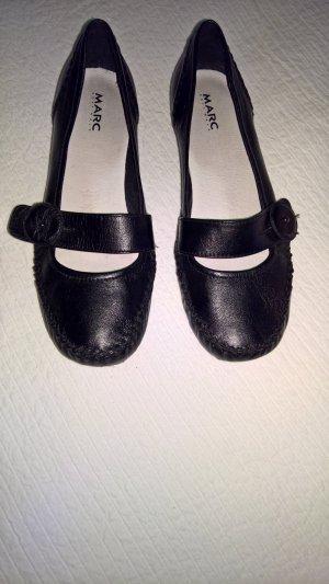 schwarze Halbschuhe aus Leder