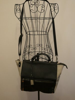Schwarze Hallhuber Handtasche in Lederimitat