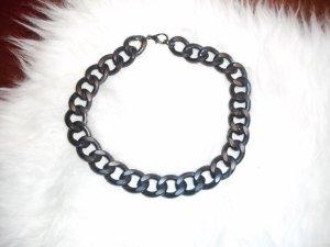 Schwarze Halskette!!