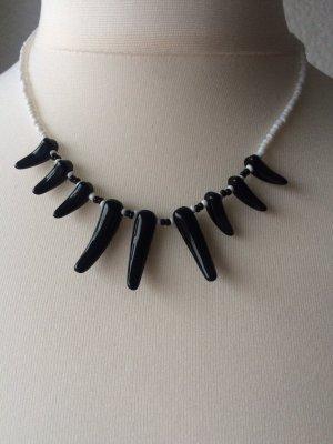 Schwarze Halskette - Modernschmuck Perlen
