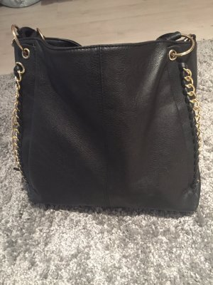 Schwarze Handtasche!