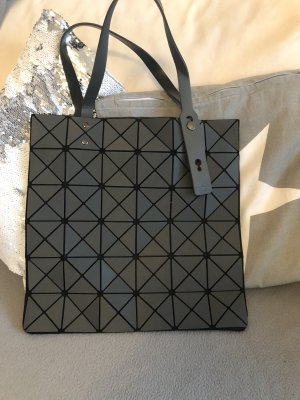 Schwarze Handtasche matt von Bao Bao