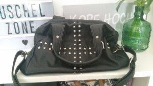 Schwarze Handtasche Nieten