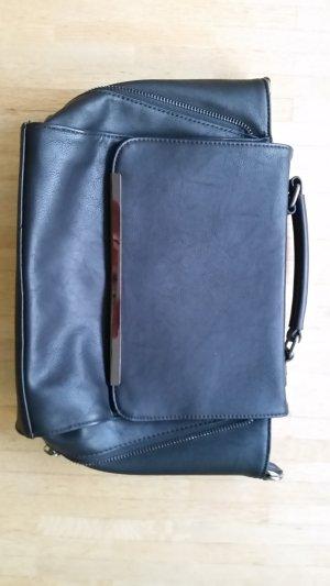 Schwarze Handtasche von Hallhuber ungetragen, Schultergurt fehlt