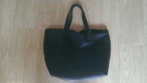 Schwarze Handtasche von Pull & Bear