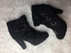 Schwarze High Boots