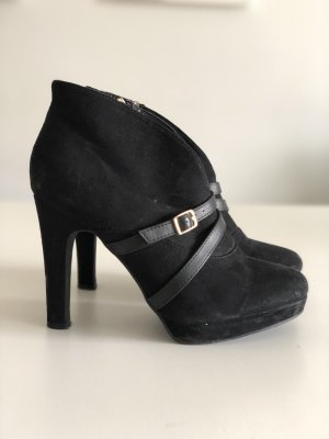 I love my Shoes Cut Out Booties black