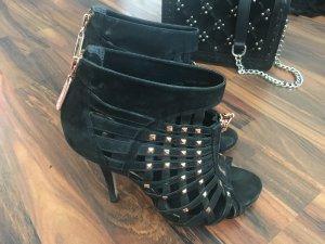 Schwarze high heels aus Wildleder von Topshop. Sehr sexy mit Nieten.