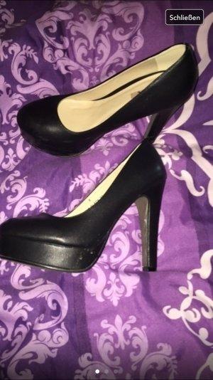 Schwarze high heels fast neu