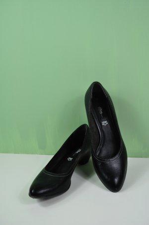 Schwarze High Heels / Pumps / Hohe Schuhe in Größe 40