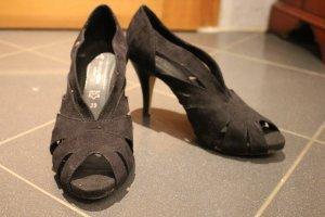 Schwarze hochhakige Schuhe Gr. 39