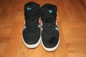 Schwarze hohe Sneaker