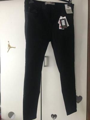 Schwarze Hose 2x vorhanden
