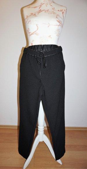 schwarze Hose im Jogging-Stil von Mango