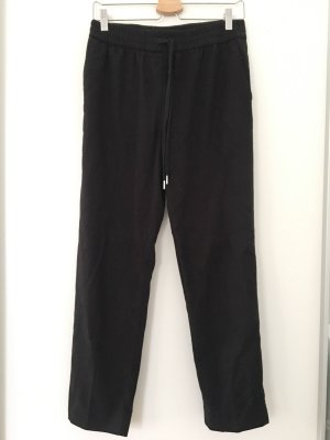 Schwarze Hose in Jogginghosenstil