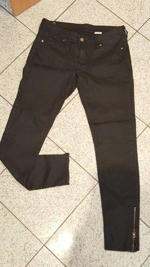 Schwarze Hose mit Reißverschluss