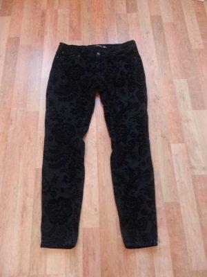 schwarze Hose mit Samtmuster