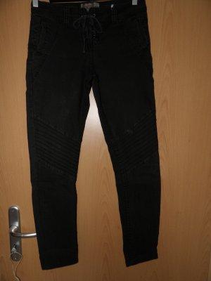 Schwarze Hose Schnürung Gr. 36