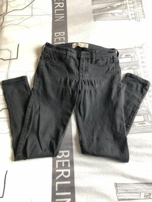 Schwarze Hose von Hollister
