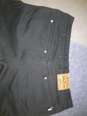 schwarze Hose XXL Format