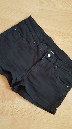 schwarze hot Pants devided