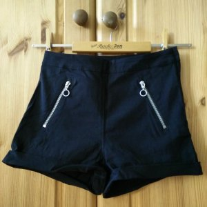 schwarze Hot Pants von H&M