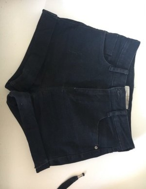 Schwarze hotpants