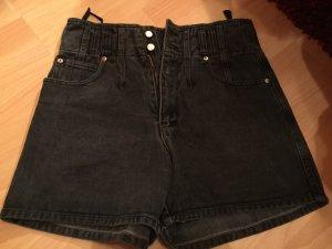 Schwarze Hotpants, high Waist