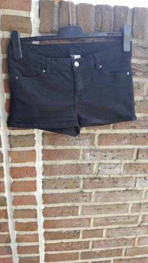 Schwarze Hotpants von H&M in Größe 38
