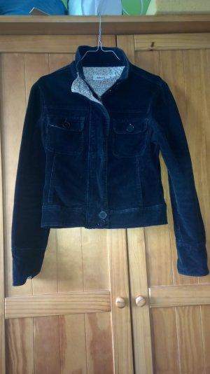 Schwarze Jacke aus Cord