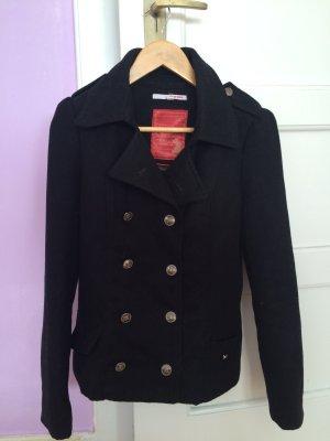 Schwarze Jacke im marinen Style