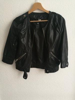 schwarze Jacke in Lederoptik-look in Größe 34 von H&M