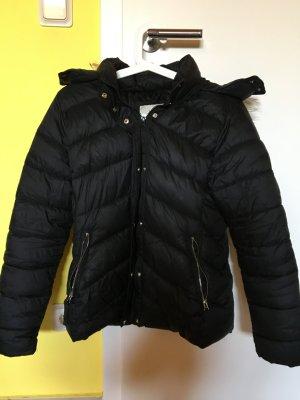 Schwarze Jacke von Bershka